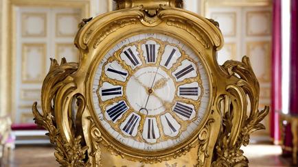 Clock Room in the interior apartment of the King, astronomical clock of Louis XV, by Claude-Siméon Passemant (1702-1769), Versailles, châteaux de Versailles et de Trianon © EPV/ Thomas Garnier