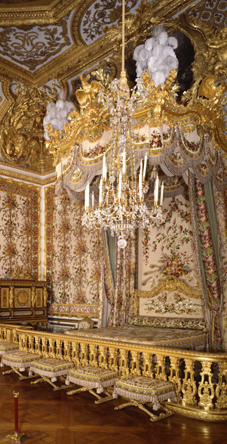 Present-day view of the Queen's bedchamber in her Grand Apartment, 2009, Versailles, châteaux de Versailles et de Trianon © EPV/Jean-Marc Manaï