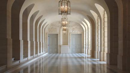 Vista actual de la galería de los Espejos de noche, 2011, Versalles, palacios de Versalles y Trianón © EPV/ Christian Milet