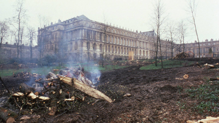 The park of the palace of Versailles devastated after the storm of December 1999, Versailles, châteaux de Versailles et de Trianon © EPV/Jean-Marc Manaï