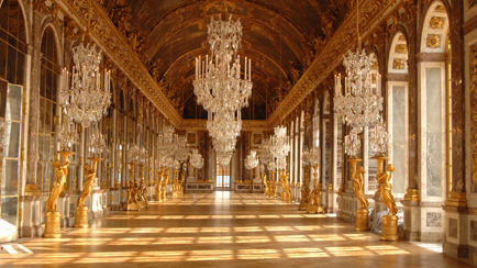 Present-day view of the Hall of Mirrors, 2010, Versailles, châteaux de Versailles et de Trianon © EPV